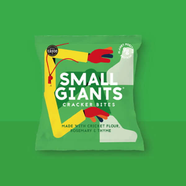 Small Giants Cricket Cracker Bites Rosemary & Thyme are a great snack with cricket flour, ideal to try edible insects